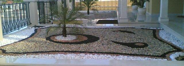 ideias jardins exterioresConstrução e manutenção de jardins